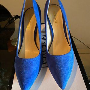 Nine West Blue Suede pumps